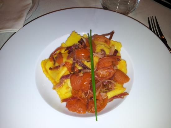 Ravioli ripieni di purea di patate picture of la cucina - La cucina di via zucchi monza ...
