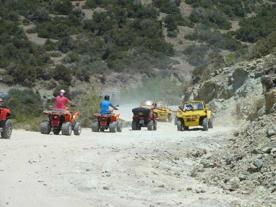 Pafos, Chipre: quads meet jeeps
