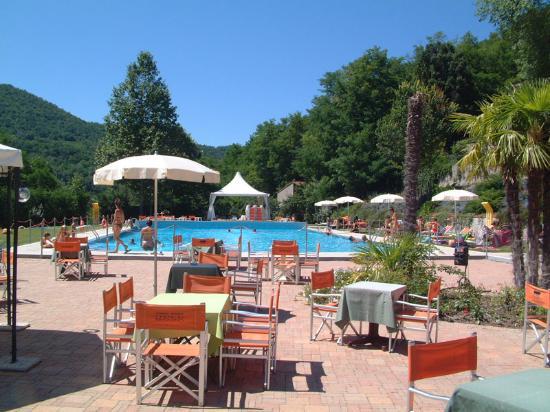 Cascina Ca Bella : piscina per ospiti