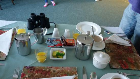 Sunset Bay Hotel: Breakfast and coffe time