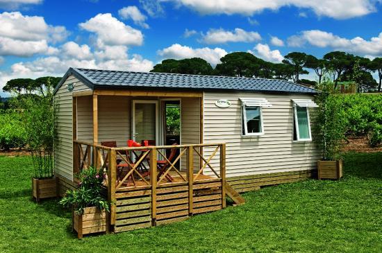 bungalow pagan Photo de Camping Le Bois Joli, Bois de Céné TripAdvisor # Camping Le Bois Joli