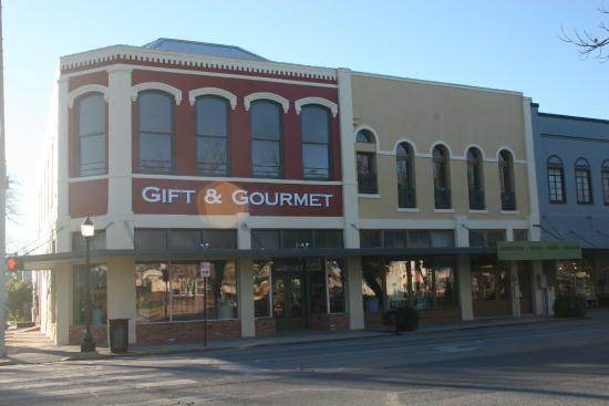 ‪Gift and Gourmet‬