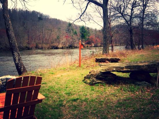 Asheville River Cabins: The property was beautiful