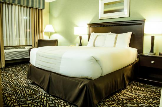 Fireside Inn & Suites: 1 QUEEN REMODELED GUESTROOM
