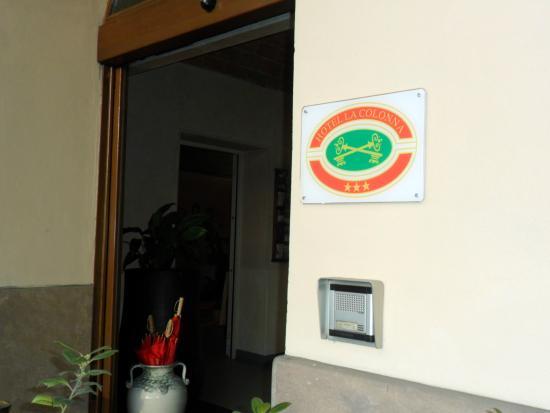 Hotel La Colonna: ingresso