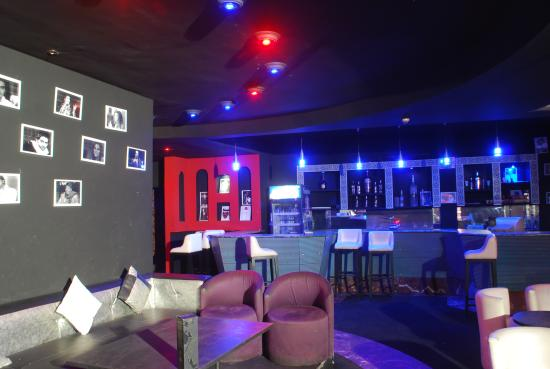 Hotel Adrar: NIGHT CLUB/CABARET