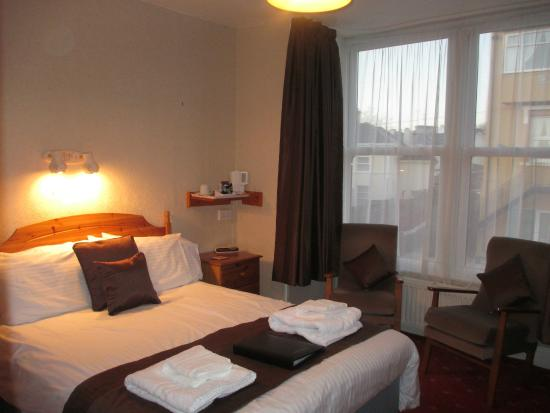 Grosvenor Guest House: Standard Double Room with En-suite