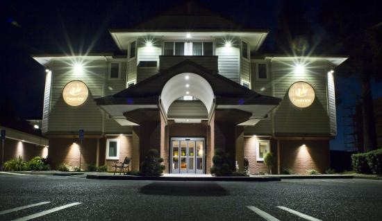 Crestview Hotel: EXTERIOR