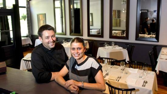 Restaurant Le Grain De Sel: Chef Jean-François Bonin et sa femme
