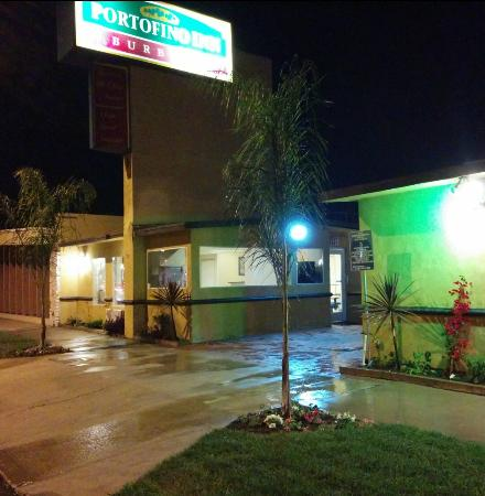 Portofino Inn Burbank: Hotel Entrance