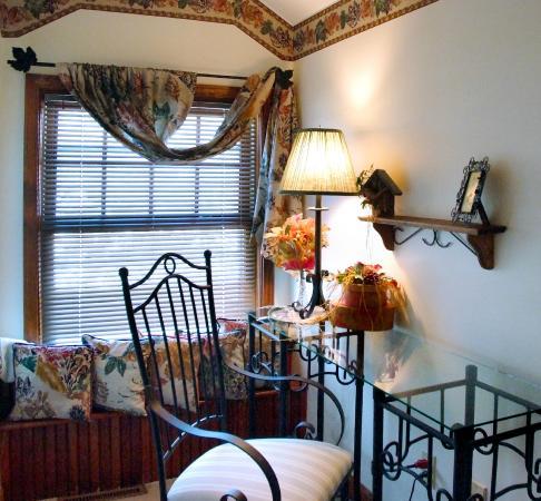 Arbor Hill Inn: Treetop Guestroom