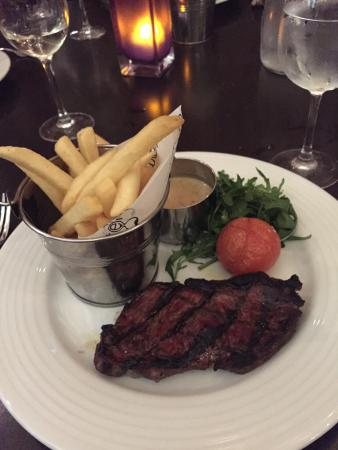 Tempus Bar & Restaurant at Grand Central Hotel: Steaks were delicious and cooked to perfection