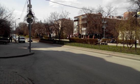 Pushkin Street (Pushkinskaya ulitsa): Пушкинская улица в апреле 2015