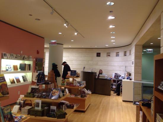 Loyola University Museum of Art (LUMA): LUMA gift shop