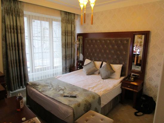The Empress Theodora Hotel: номер