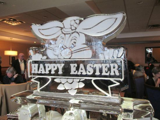 Vic's on Wellington : Ice carving at East buffet