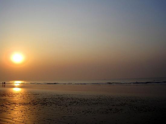 Dream Hut Resort : sunrise