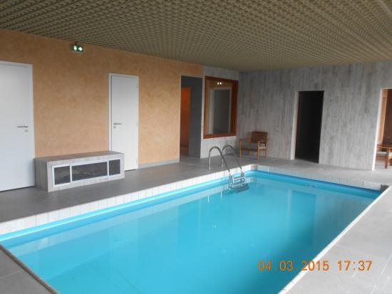 Hotel Notre-Dame de Bonne Fontaine : Nouvelle piscine