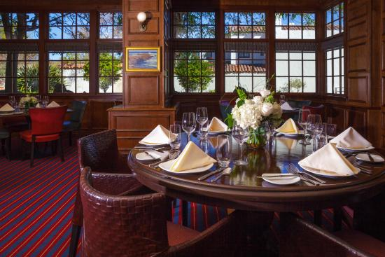 Portola Hotel & Spa at Monterey Bay : The Club Room for Special Events