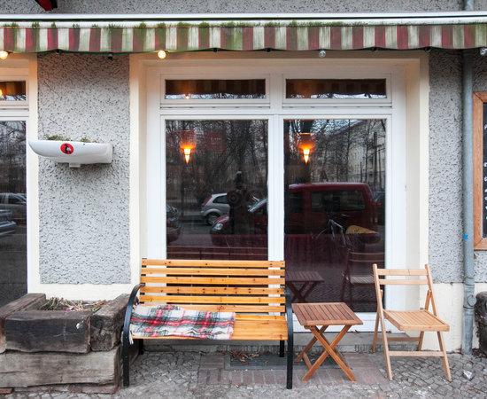 أفضل 10 مطاعم قريبة من Schlafmeile Hostel - …