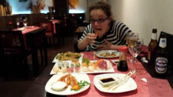Aoyama: Cenando a dos carrillos!