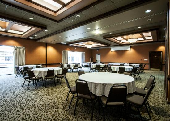 Quality Inn & Suites Kansas City I-70 East: Banquet Hall