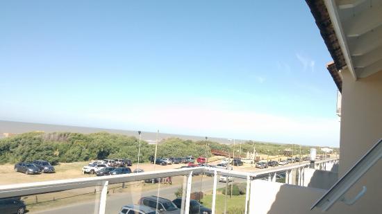 Costa del Este, Argentina: Departamento del tercer piso frente al mar y balcón interno. Capacidad max 6 personas (aunq entr