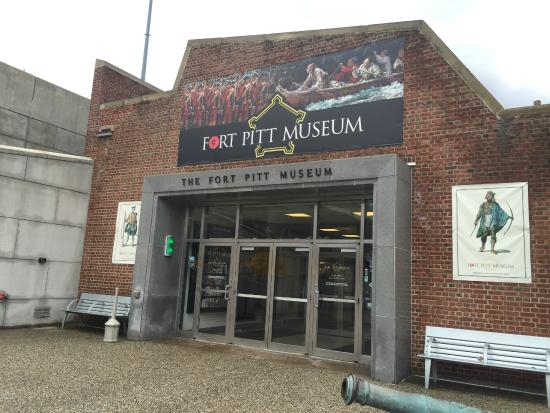 Fort Pitt Museum: front entrance