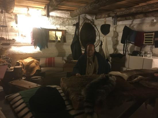 Fort Pitt Museum: model Indian-Settlers trading shop/house