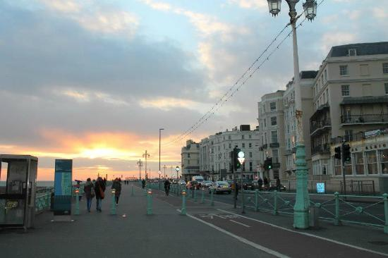 Brighton Beach : tramonto