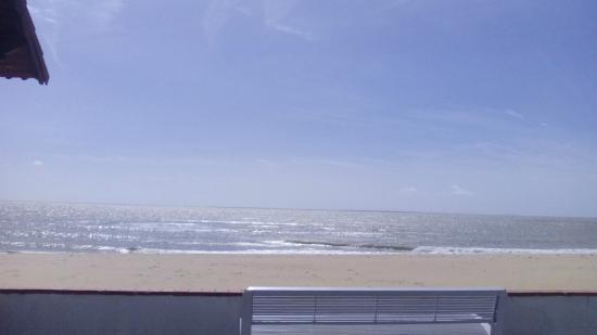 Hotel Les Dunes: Photo prise de la chambre.
