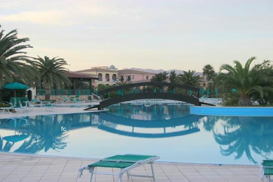 Club Hotel Marina Beach: parte  della  piscina