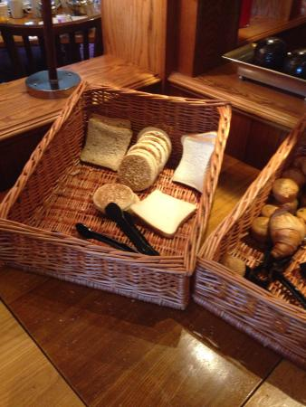 Premier Inn Rhuddlan Hotel: Fresh breads?