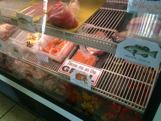 Fish Tales Market & Eatery : Super fresh fish