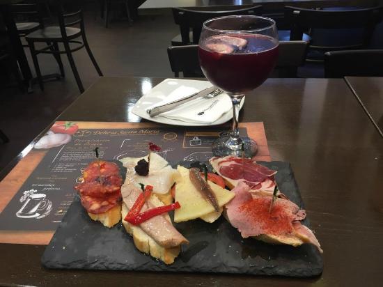 Tapas and a glass of tinto de verano picture of dehesa - Dehesa santa maria ...
