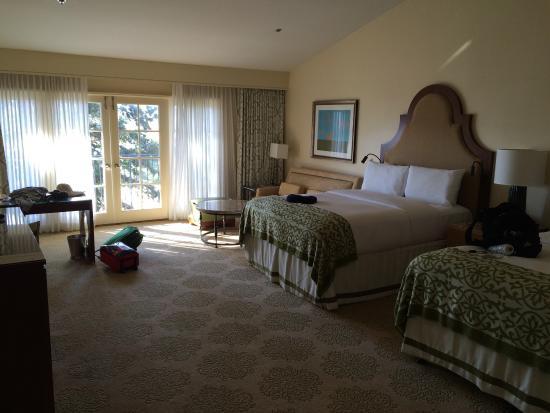 Great room near the garden area picture of omni la for Garden rooms near me