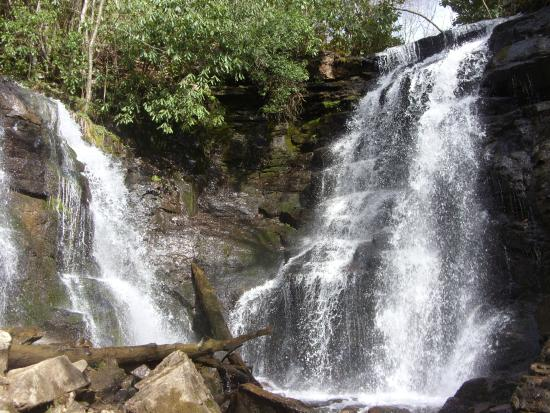 Maggie Valley, NC: bottom of the falls