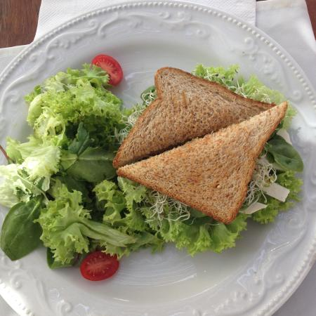 Healthy Restaurant & Wine Bar : sandwich vegetariano