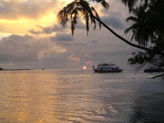 Rinbudhoo: Sunset