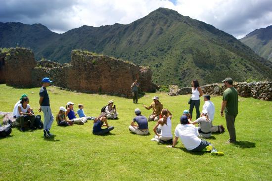 Terra Explorer Peru: Después de la caminata, la explicación del lugar, con historia y leyendas!