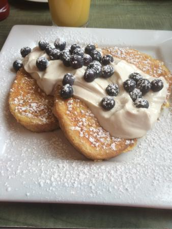 George's Place: Limoncello French toast
