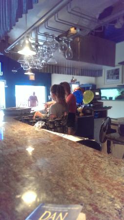 Duke's Seafood and Rib Shack : the inside bar....