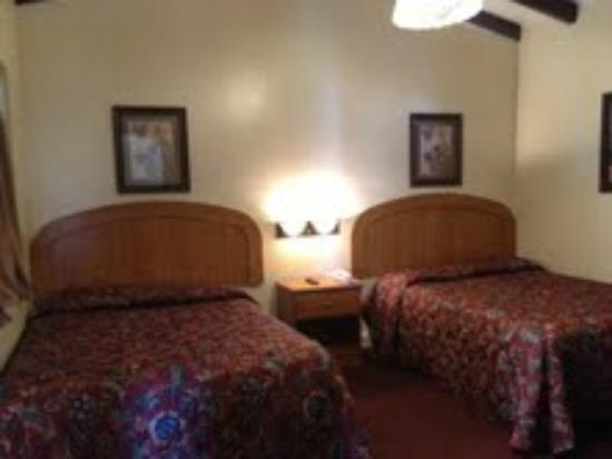 El Patio Inn: Std 2 Beds