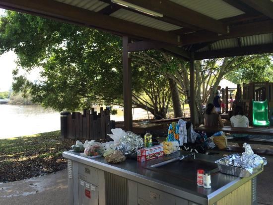 Noosa Stand Up Paddle : BBQ facilities