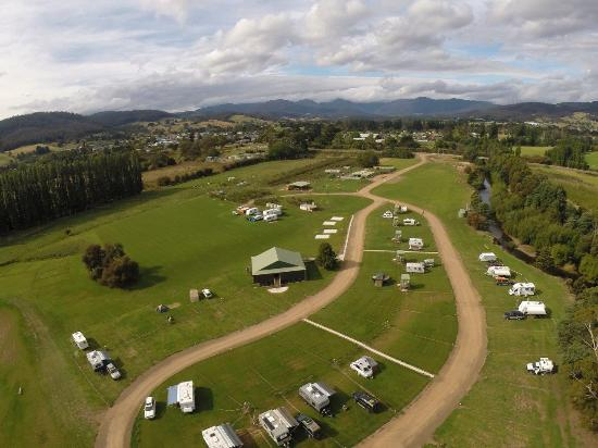 Huon Valley Caravan Park: Areial Photo of Park