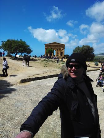 Guide Turistiche Agrigento : il mitico......sig. Nello Lombardo