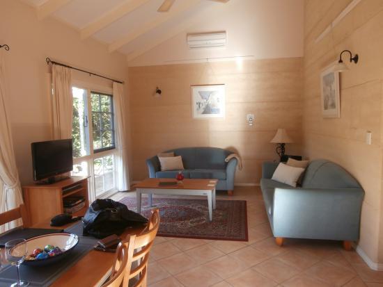 Big Brook Cottages: Comfortable living area