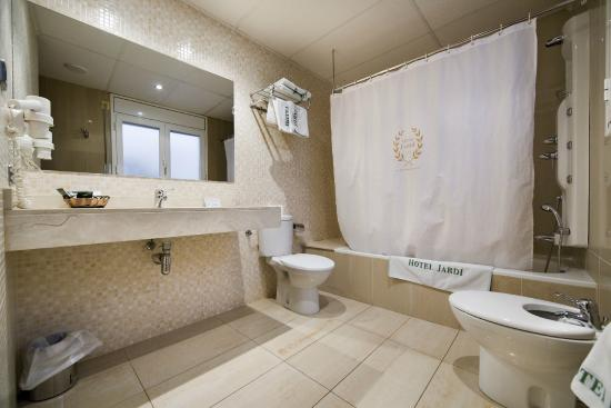Hotel Jardí: Baño superior