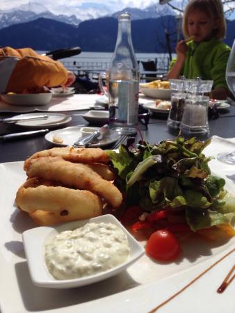 Zee Restaurant: Eglifilet gebacken mit Salat