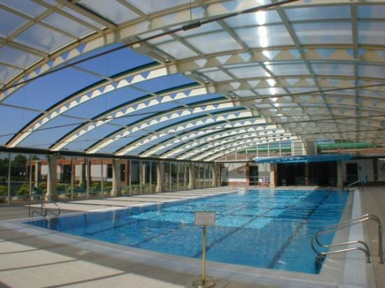 Stock Brook Country Club: Our 23 Metre Swimming Pool With Retractable Roof